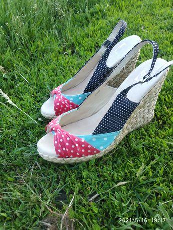 Сандалии туфли босоножки сандали кроссовки балетки