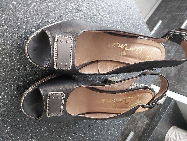 Sandały 39