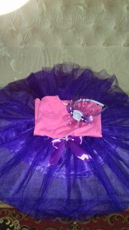 Нарядный костюм конфетки для двойни 98-104