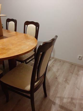 Komplet krzesła i stół drewniany