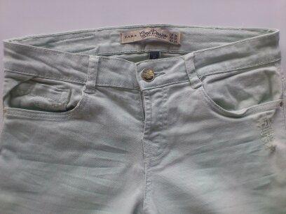 Mietowe spodnie 7/8 jeansy ZARA rozm. 34 XS