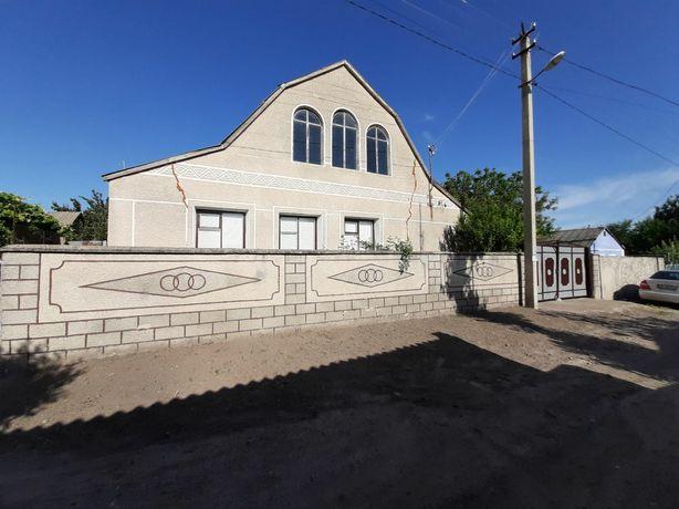 Продам дом в пгт Александровка