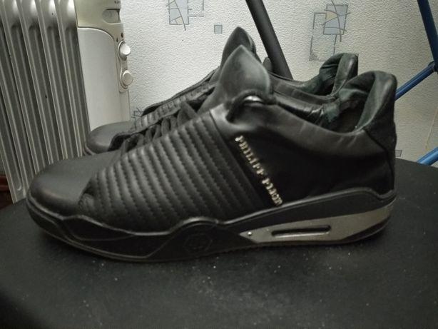 Продаю мужские кожаные кроссовки Philipp Срочно.