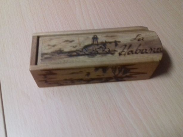 Caixa de dominó em madeira (feita à mão)