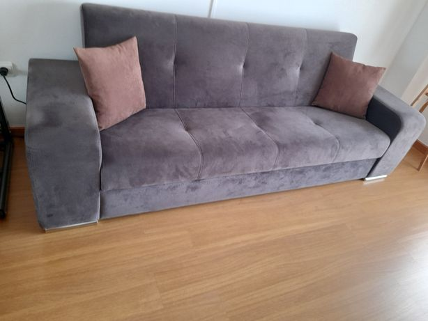 Sofá cama com cofre