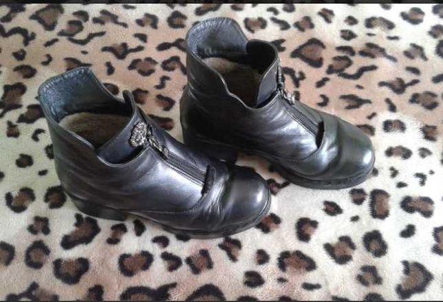 Ботинки зимние, женские