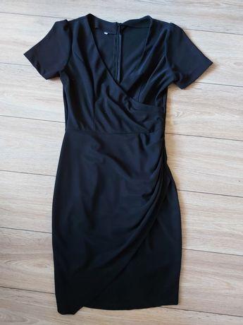 Czarna sukienka elegancka