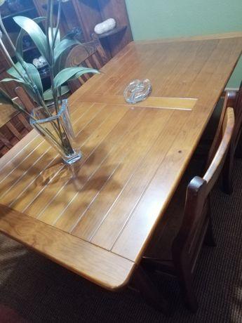 Mesa e 4 Cadeiras em pinho maciço tratado