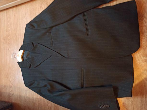 Czarny garnitur 176