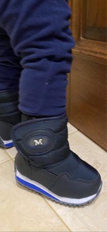 Взуття чобітки дутіки