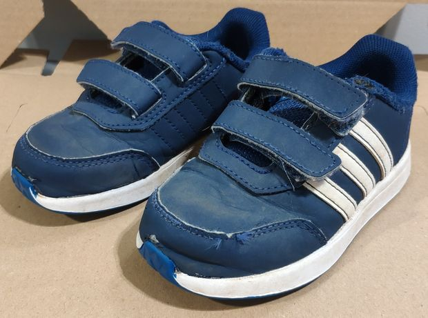 Dziecięce buty sportowe Adidas, rozmiar 25, wkładka 15,3cm