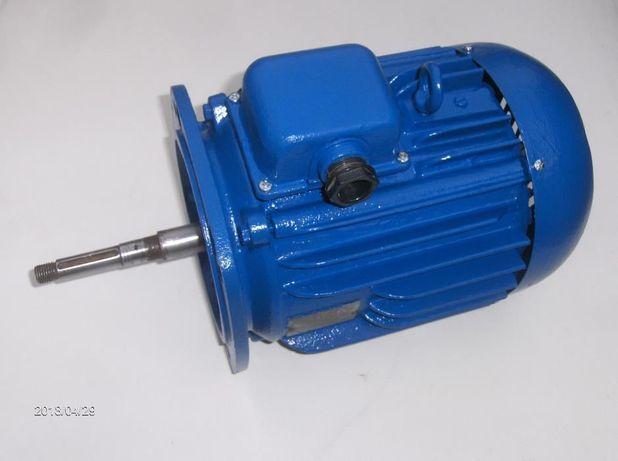 Silnik 4 KW 2900 z długą ośką