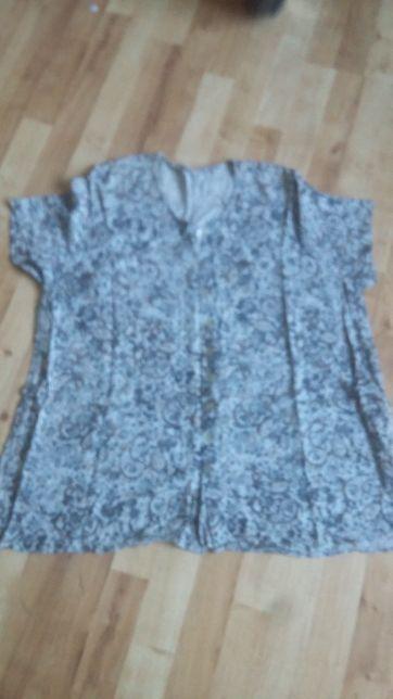 Bluzka z krótkim rękawem odcienie niebieskiego kwiaty roz 52