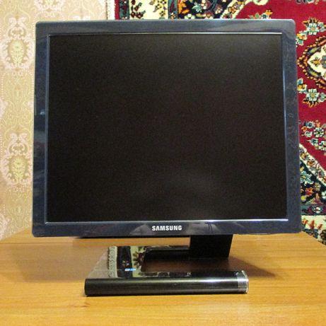 "Монитор 19"" Samsung"