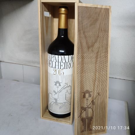 Garrafa magnum Tapada de Coelheiros (dummy bottle) para decoração