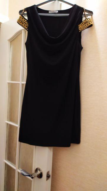 Продам красивое платье (размер 40)