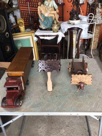 3 peças em madeira antigas feitas a mão camião 2 carros de bois