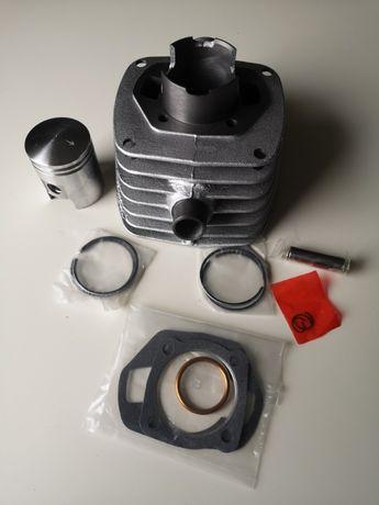 WSk 125 cylinder tłok zestaw żeliwny