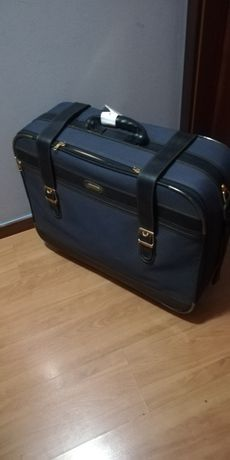 Vendo mala de viagem, mala de porão e malas de cabine