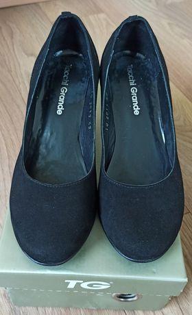 Туфли замшевые 42р.