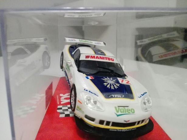 Carro analógico Chevrolet corvette pista scx-novo