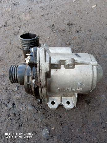 Pompa wody BMW F10