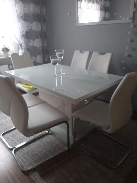 Sprzedam Stół z krzesłami.
