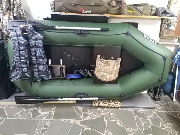Лодка ПВХ вполном комплекте