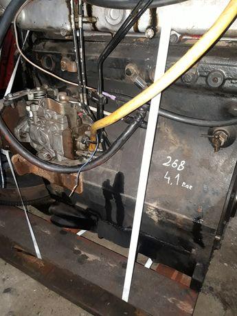 Silnik case D 268 seria 4230 komplet ciśnienie 4,1 pasuje do 845