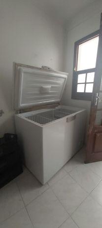 Arca frigorífica e frigorífico