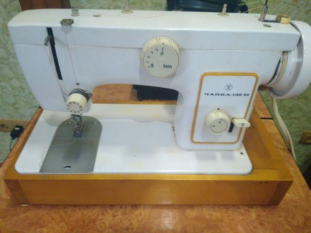 Продам две швейные машинки с электроприводом