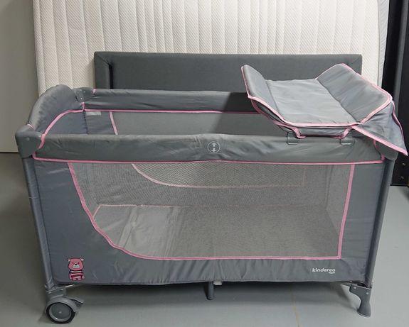 Zestaw: łóżeczko turystyczne z przewijakiem, materac, komplet pościeli