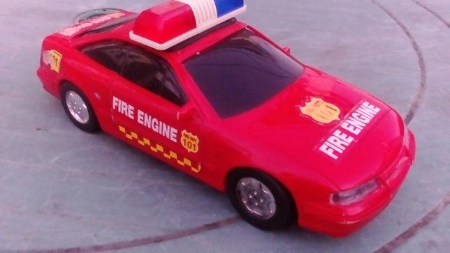 Машинка пожарная,полицейская,инерцыонная.
