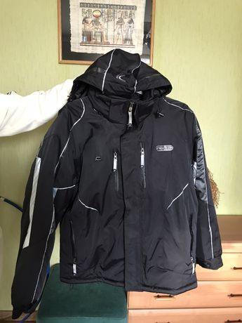 Куртка зимняя на синтепоне.