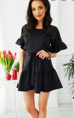 Czarna sukienka z falbankami xs