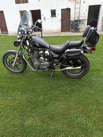 Yamaha Maxim 700