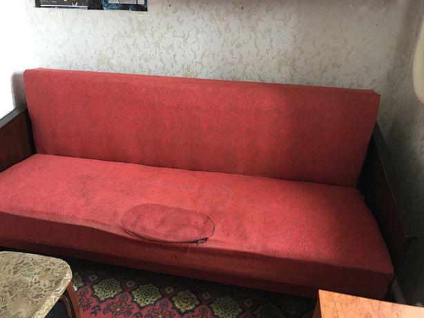 Продам старый диван-книжка
