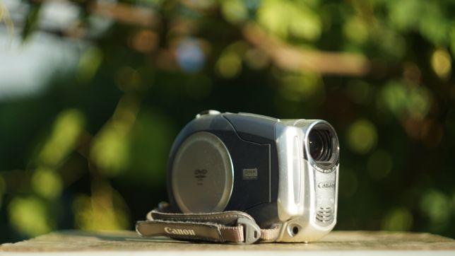 Видеокамера Canon DC 210 E 35x zoom