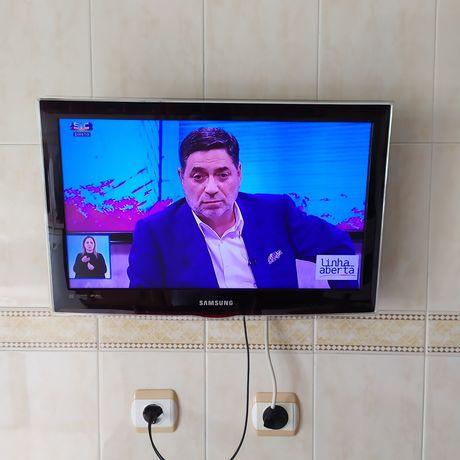TV / Monitor 22 led TV Samsung com suporte