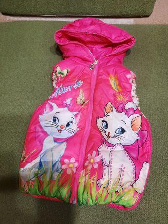Демикуртка безрукавка на девочку 3-5 лет