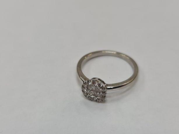 KRUK! Piękny złoty pierścionek/ Białe/ 585/ 2.44 gram/ R13.5/ Brylanty