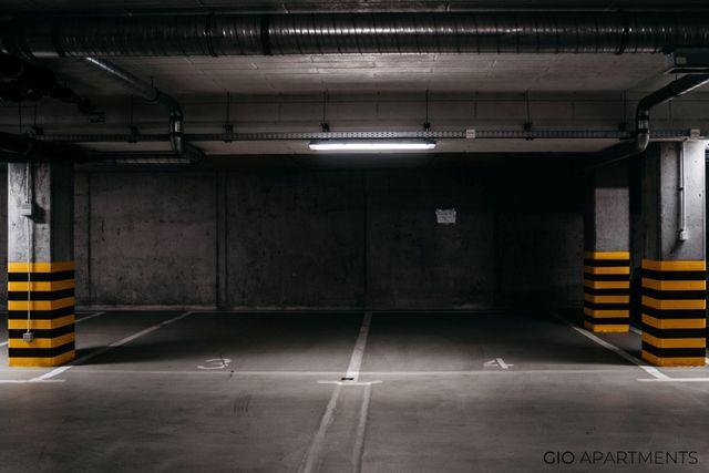Wynajmę miejsce postojowe/garaż/boks - Rajska, Krakow, Centrum