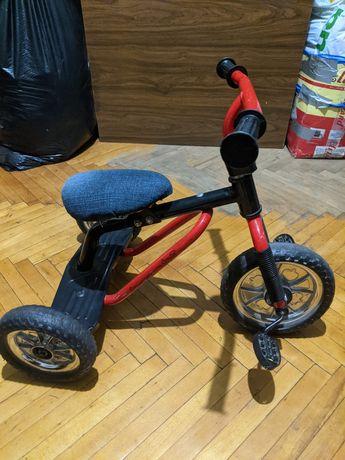 Дитячий трьох колісний велосипед