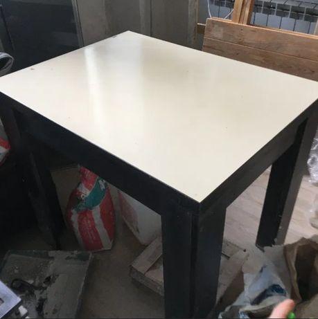 Стол кухонный/обеденный