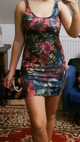Krótka sukienka marki Zara