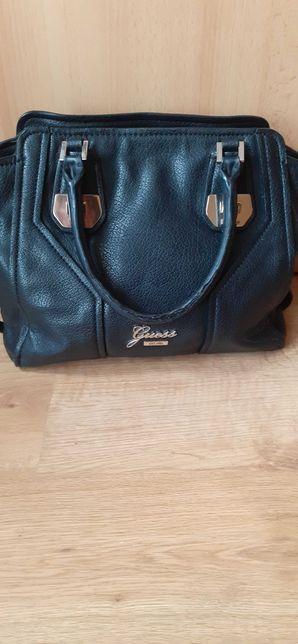 Czarna torba torebka Guess