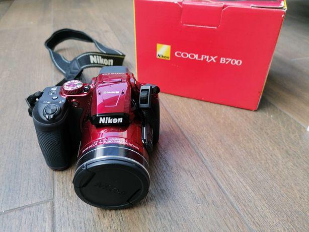 Aparat Nikon COOLPIX B700 czerwony