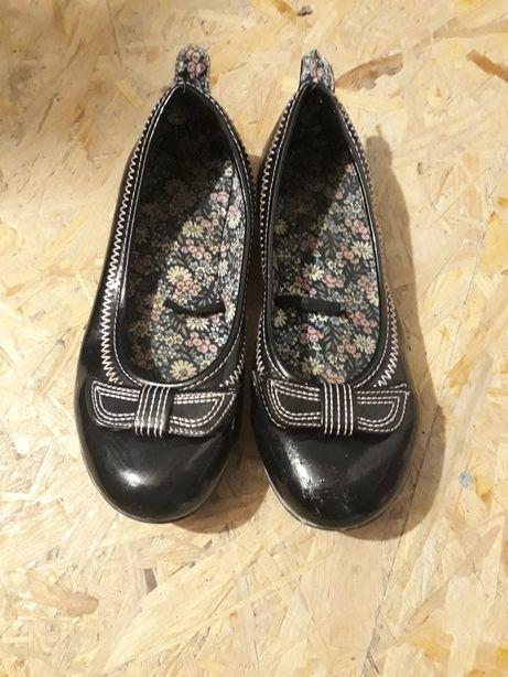 Buty pantofle rozm. 33