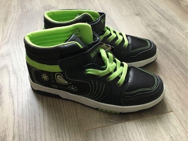 Ботинки хайтопы новые. 35-36размер.