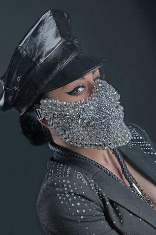 Крута маска - череп . Стрази . Ціна 350 гр.